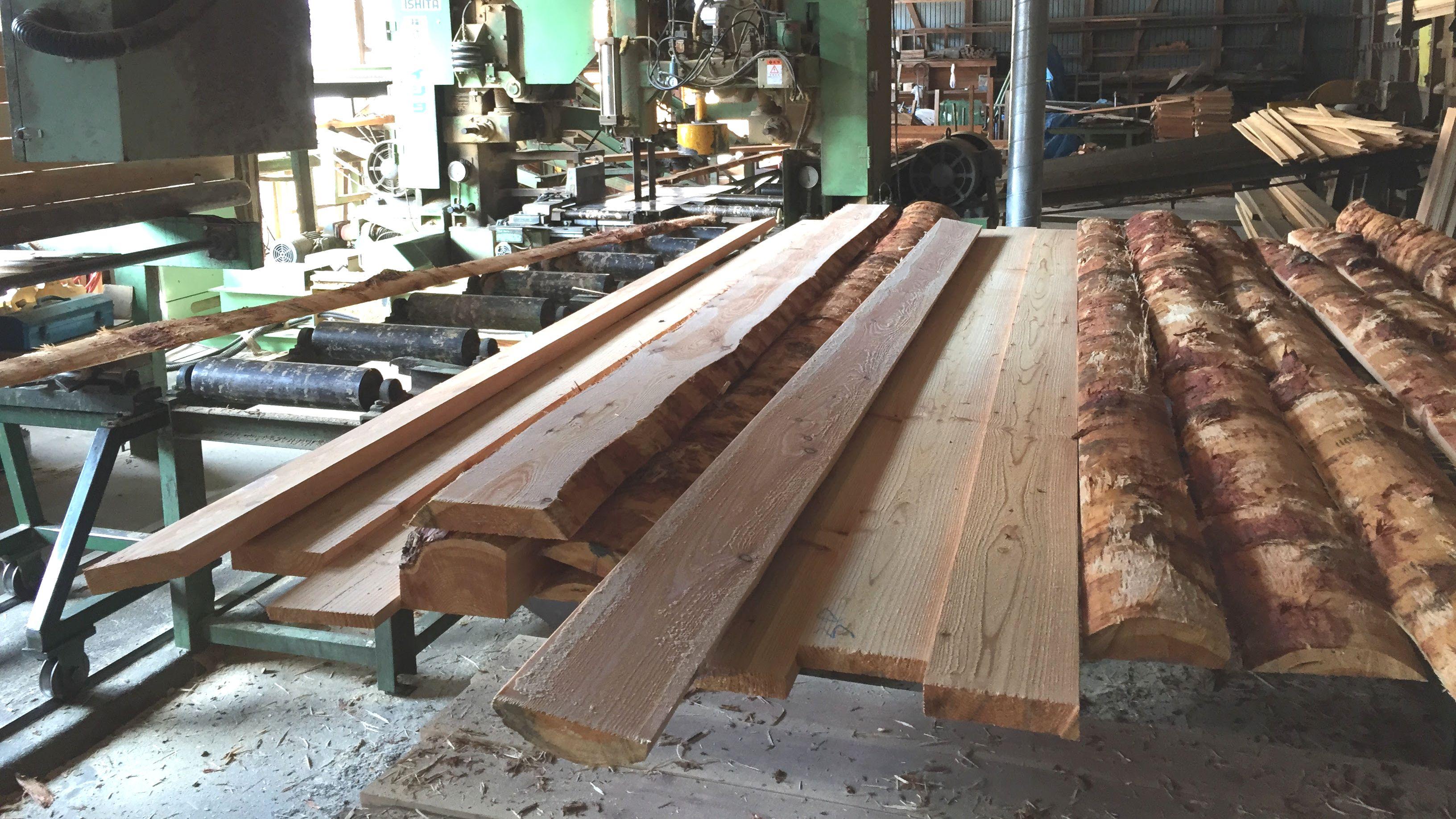 DIY用の木材はどこで買うのがオススメ?購入先別のメリットまとめ