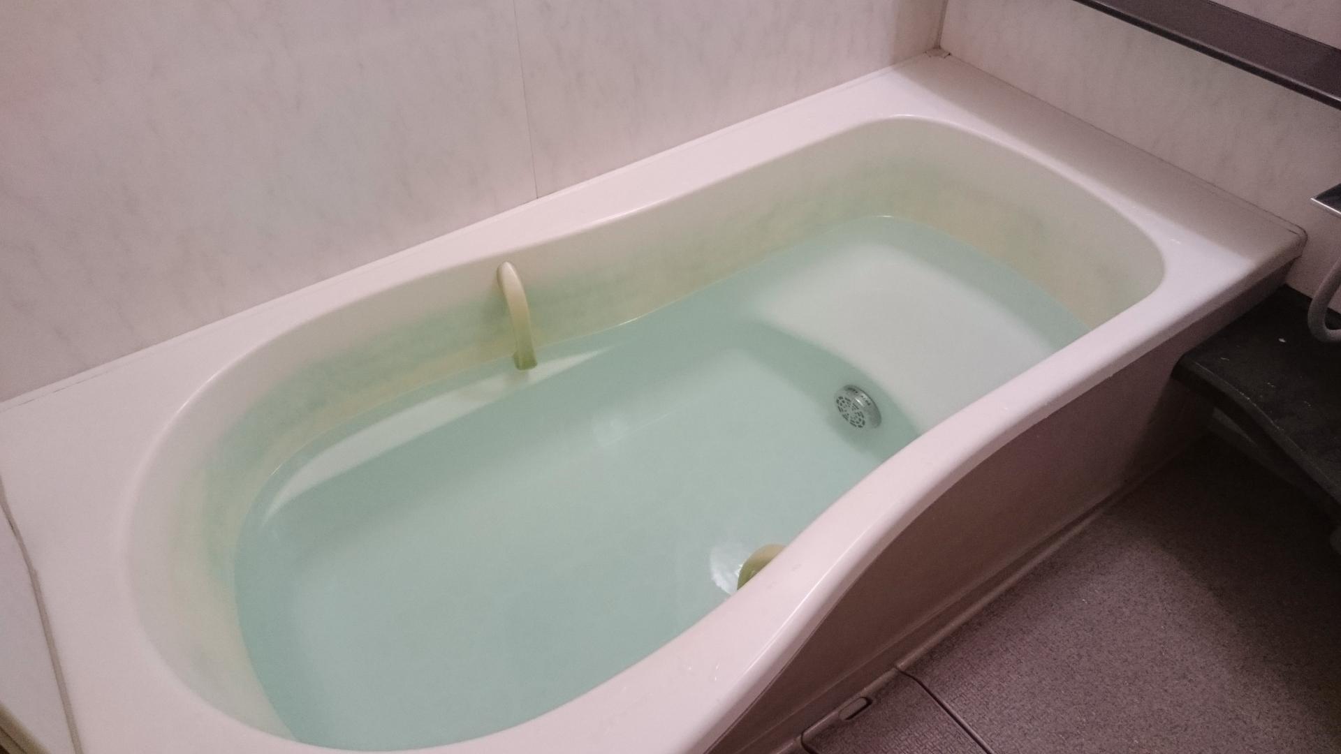 天然の入浴剤。炭をお風呂に入れる効果とは。