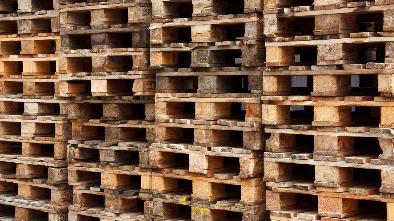 DIYでアレンジしよう!木製パレットで始めるおしゃれなインテリアまとめ