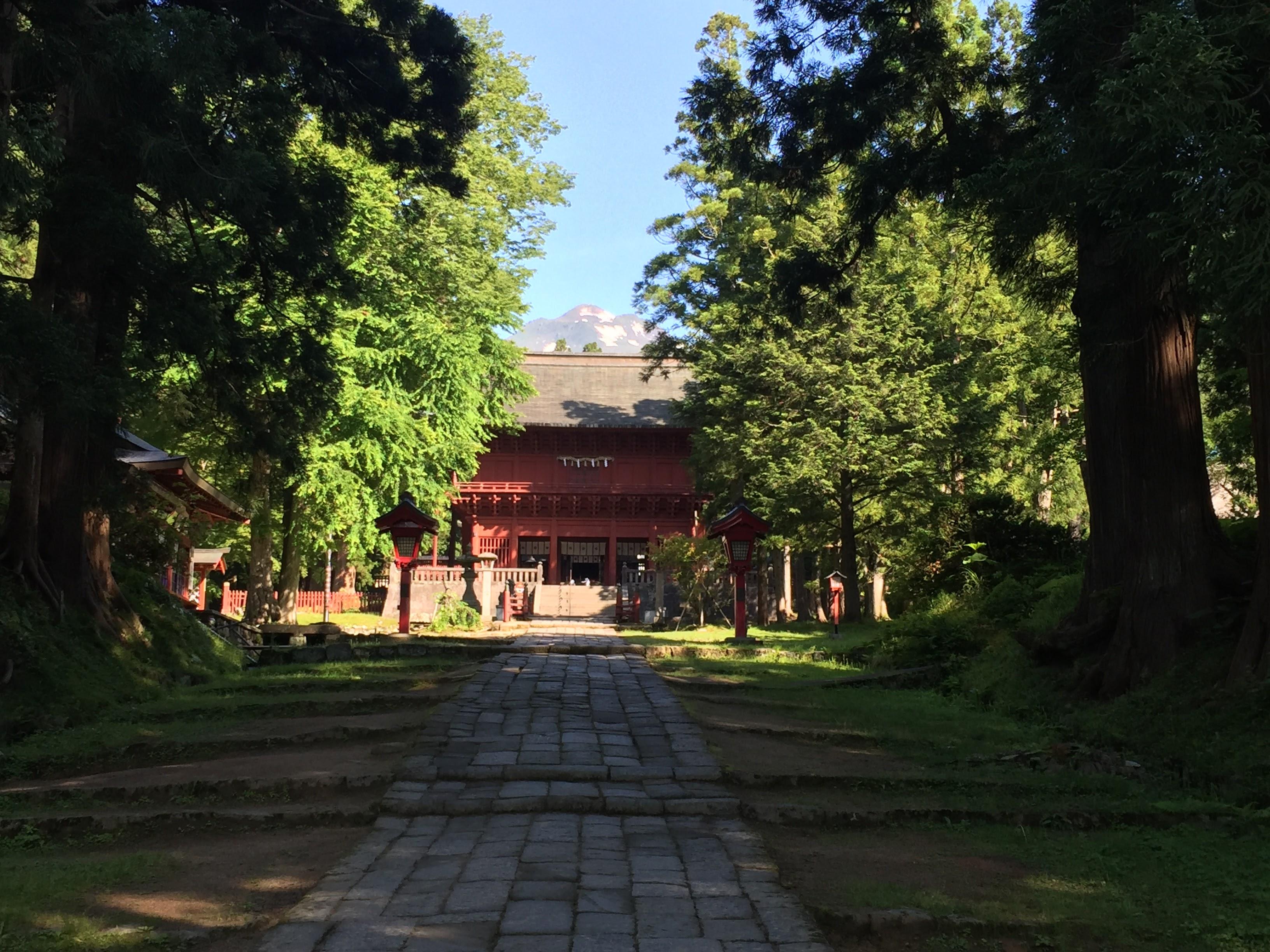 青森県有数のパワースポット。岩木山神社の御利益や参拝に役立つ情報まとめ。
