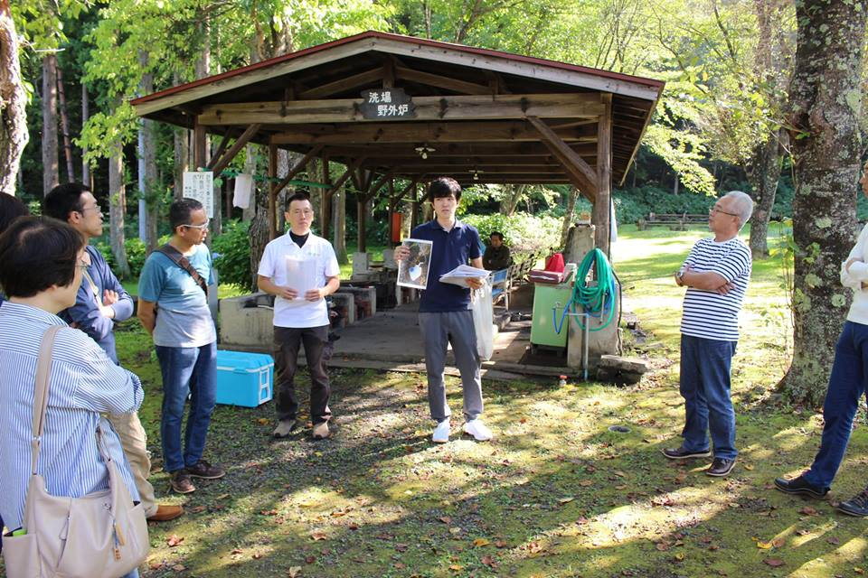 株式会社シオン主催の木育イベントで広葉樹活用と燻製体験の講師を務めました。